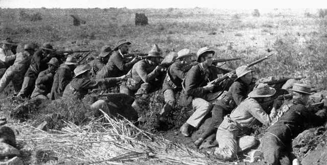 Бурские стрелки в битве за Мафекинг в 1899 году