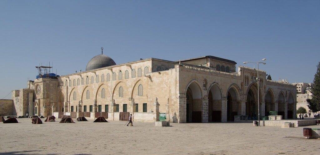 Мечеть Аль-Акса, юго-восточная часть Храмовой горы. На этом месте находилась штаб-квартира тамплиеровМечеть Аль-Акса, юго-восточная часть Храмовой горы. На этом месте находилась штаб-квартира тамплиеров
