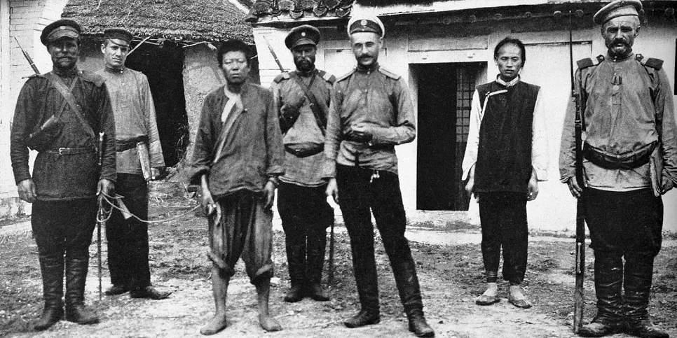 Японский шпион под конвоем