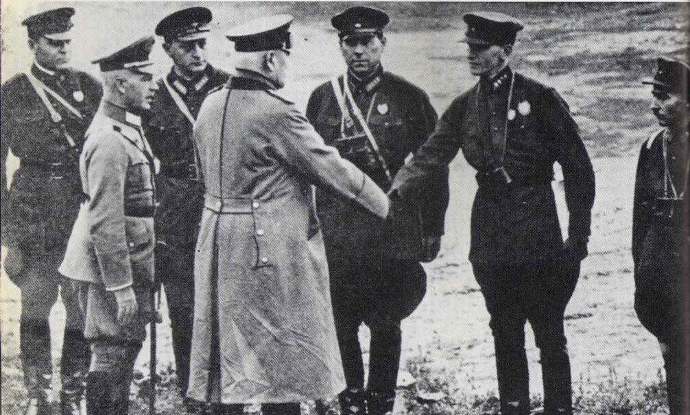 Советские офицеры на маневрах рейхсвера