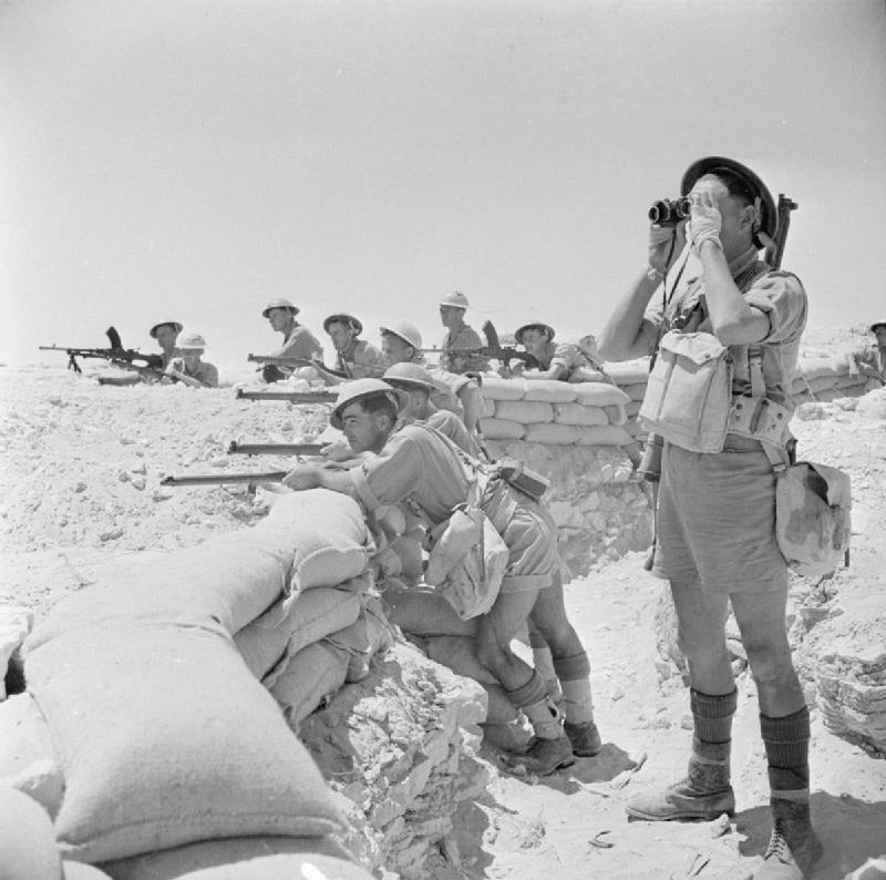 Британские пехотинцы, укрепившиеся у Эль-Аламейна 17 июля 1942 года